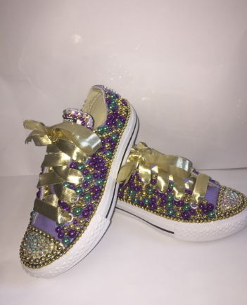 429b96e95bbf Bedazzled bling all star chuck taylors converse. Purple converse ...