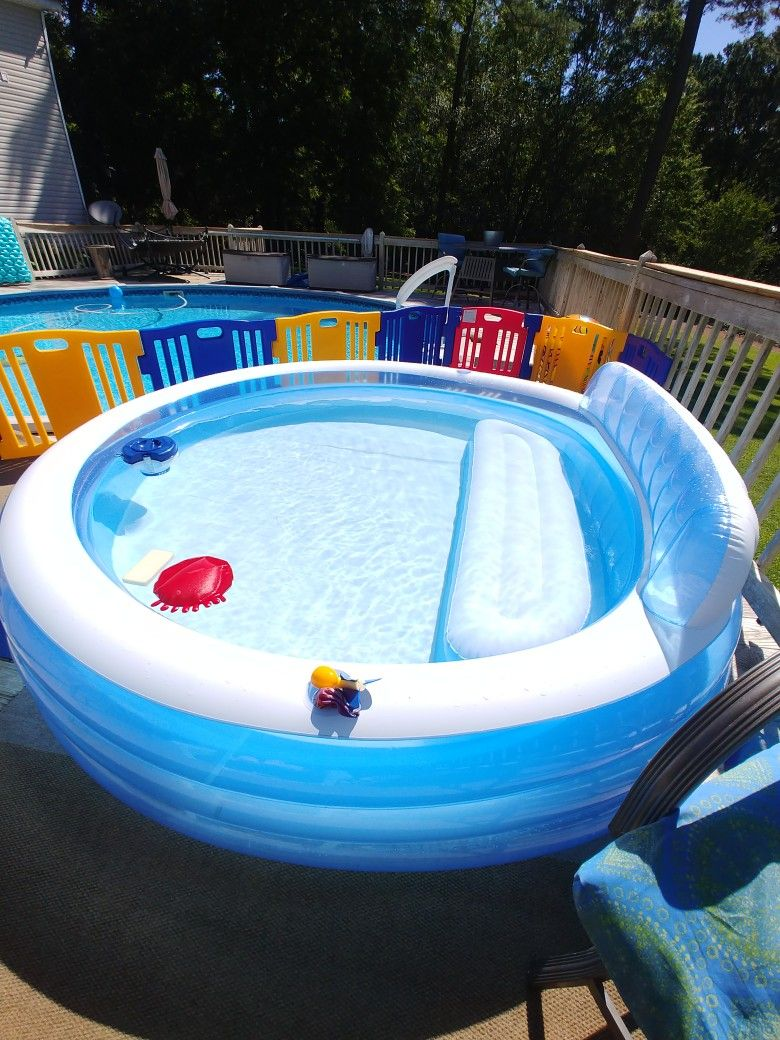 Keep The Green Away With A Magic Eraser And Chlorine Floater Baby Pool Pool Pool Hacks
