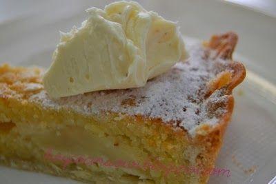 Tarta de peras y almendra con crema de mascarpone