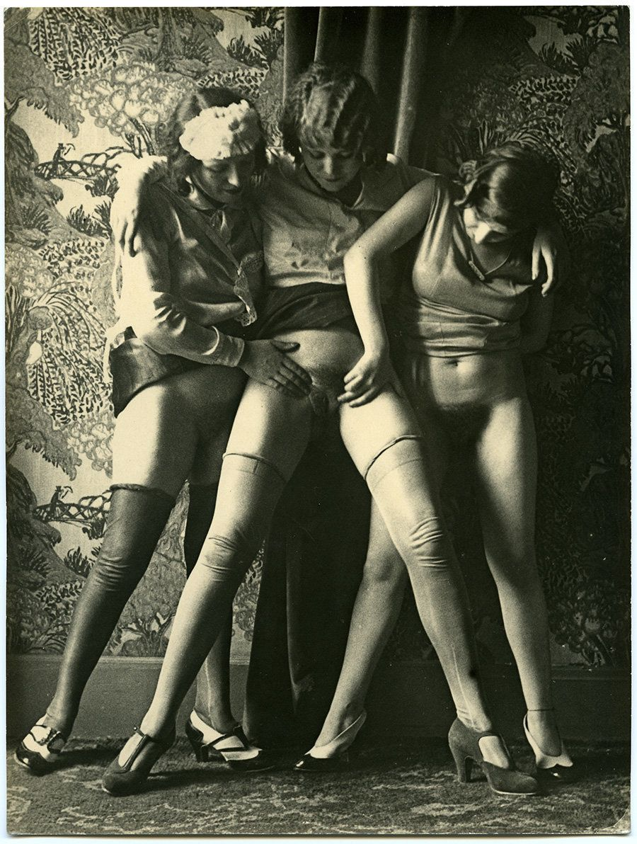 vintage erotic sex Vintage Erotica Depicts Parisian Sex Workers In The Early 1900s (NSFW)