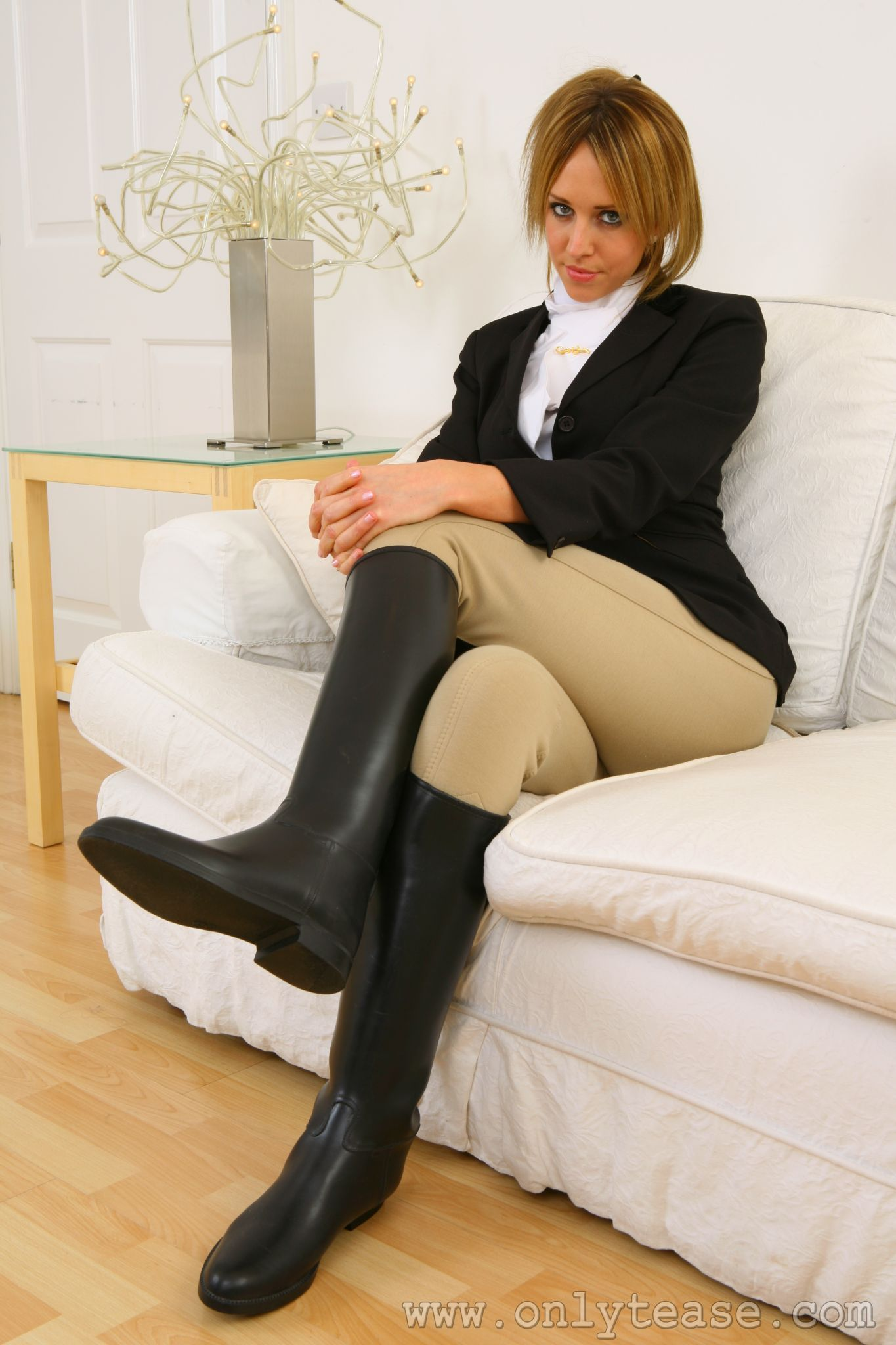 Pin on sexy women in riding boots