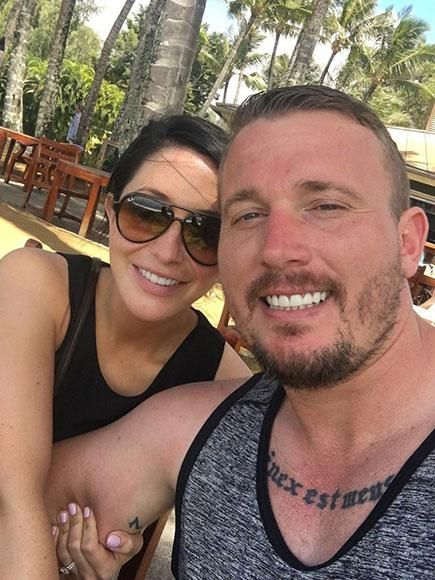 Are Bristol Palin And Dakota Meyer Back Together Mother Of Two Wears Diamond Engagement Ring In New Photo Secretly Married Bristol Celebrity Couples