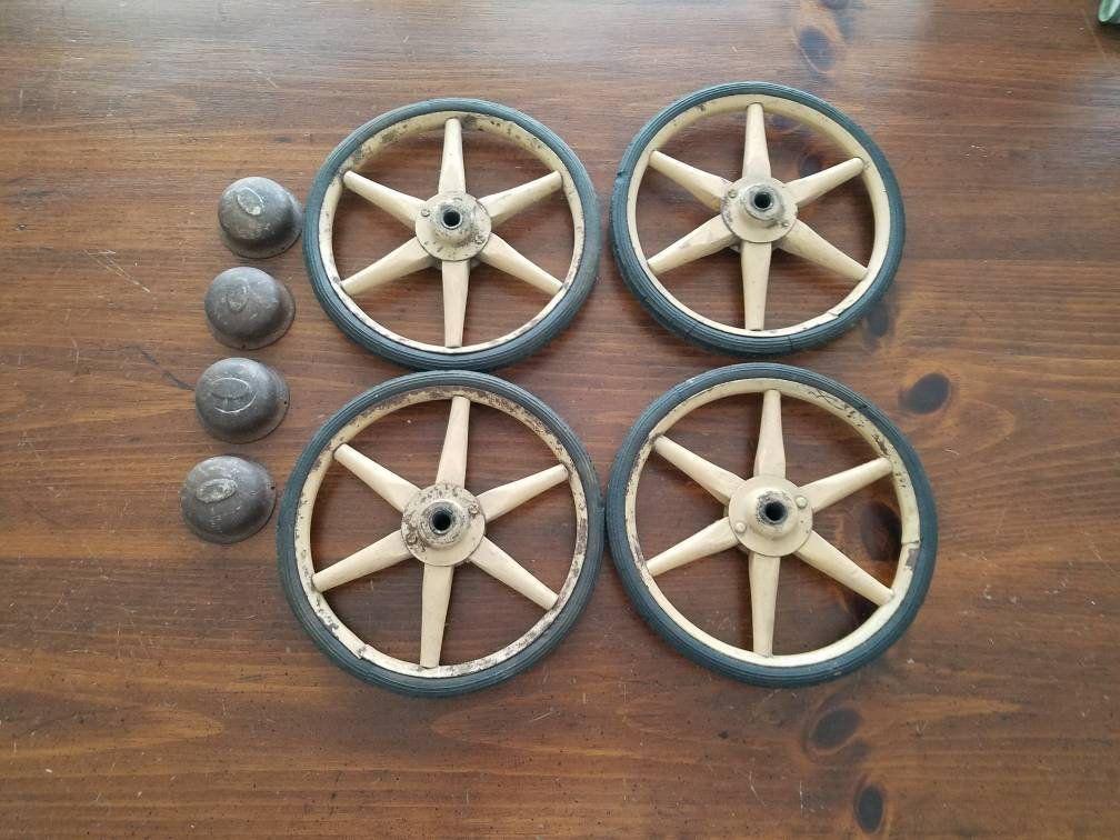 Antique Wood Spoke Metal Wheels Original Hubcaps Set Of 4