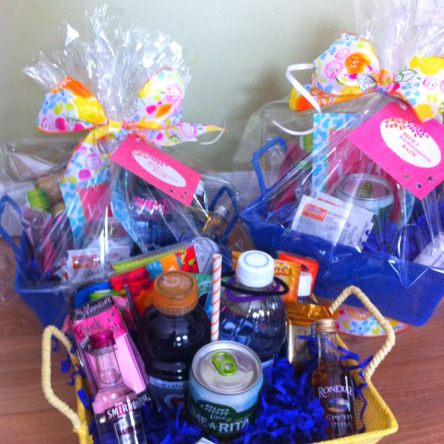 Gift Basket For Bride And Groom Wedding Night: Bachelorette Gift Baskets For Weekend Trip