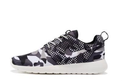 Nike Roshe One Print Camo Dots Summit White Black Dark Grey