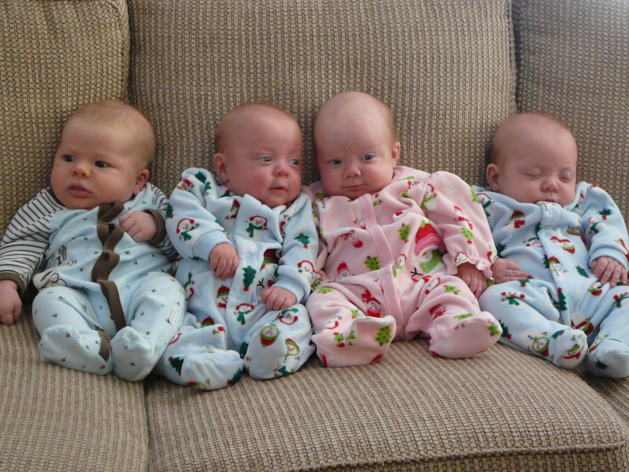 identical triplet babies - photo #12