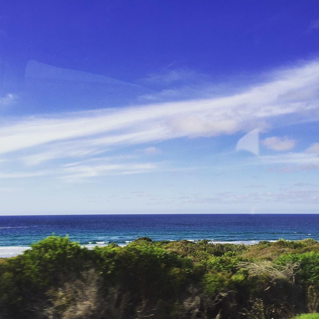 Good morning where am i going?  Im going to the Great ocean road  #goodmorning #greatoceanroad #melbourne #australia #travel #trip #morning #daily #family #happiness #memories #굿모닝#일상#여행 #여행중 #멜버른 #그래이트오션로드 #가족여행 #호주#추억#행복#가족#하늘#아침 by s_sunmin_lee