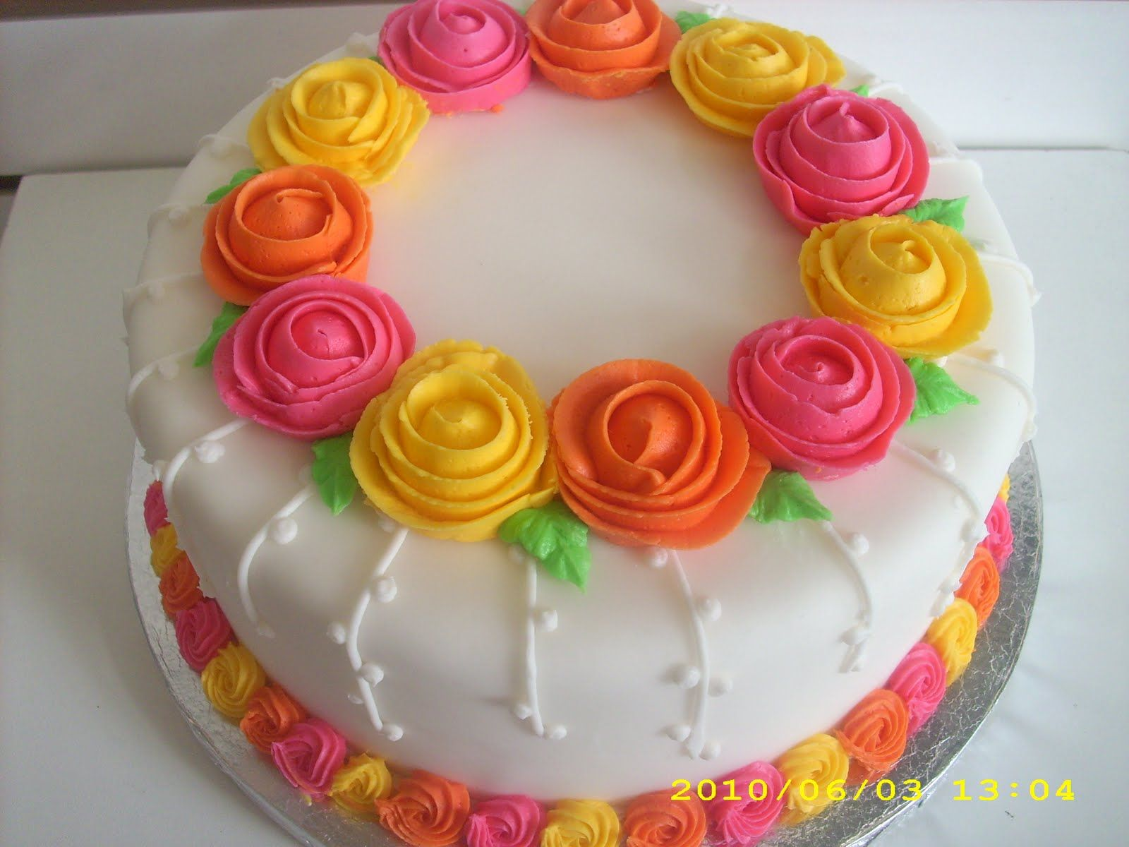 Simple Cake Decoration Images : simple cake decoration the wilton method decorating ...