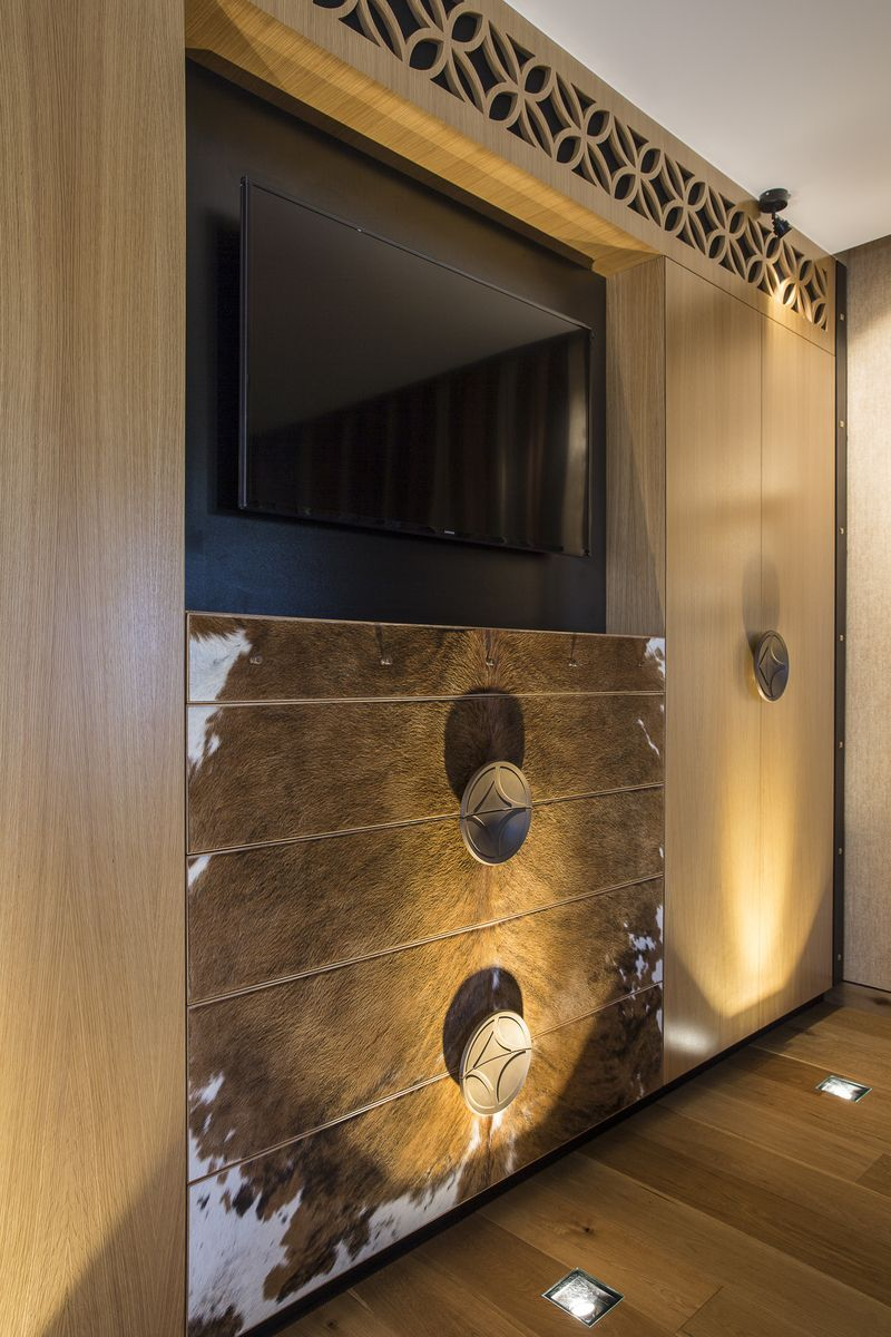 Luxury queensland home u bedroom furniture wardrobe american oak