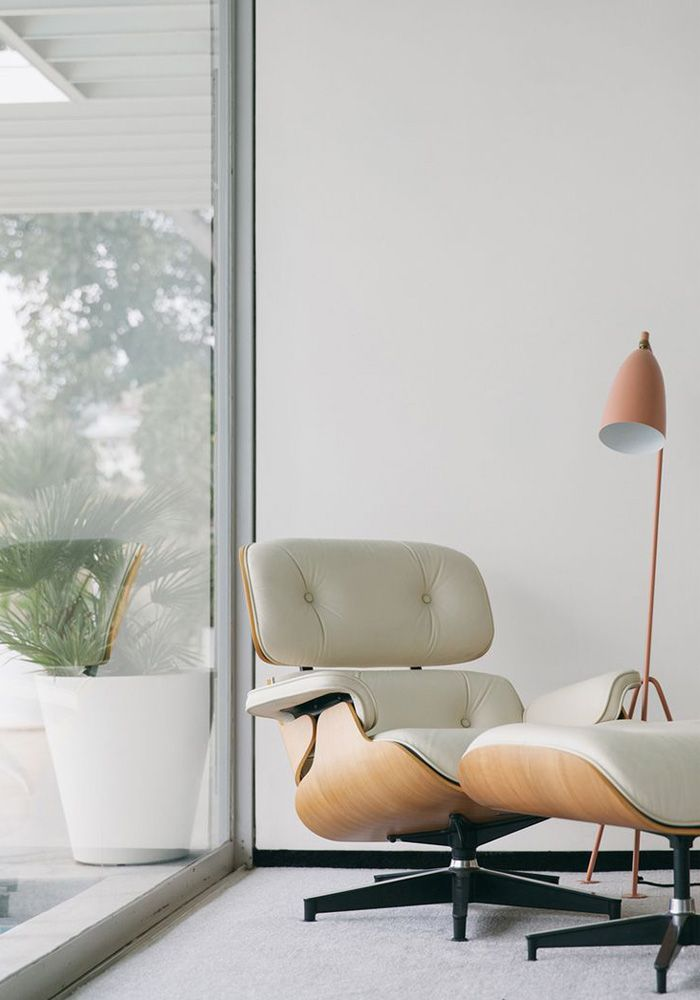 white eames chair.