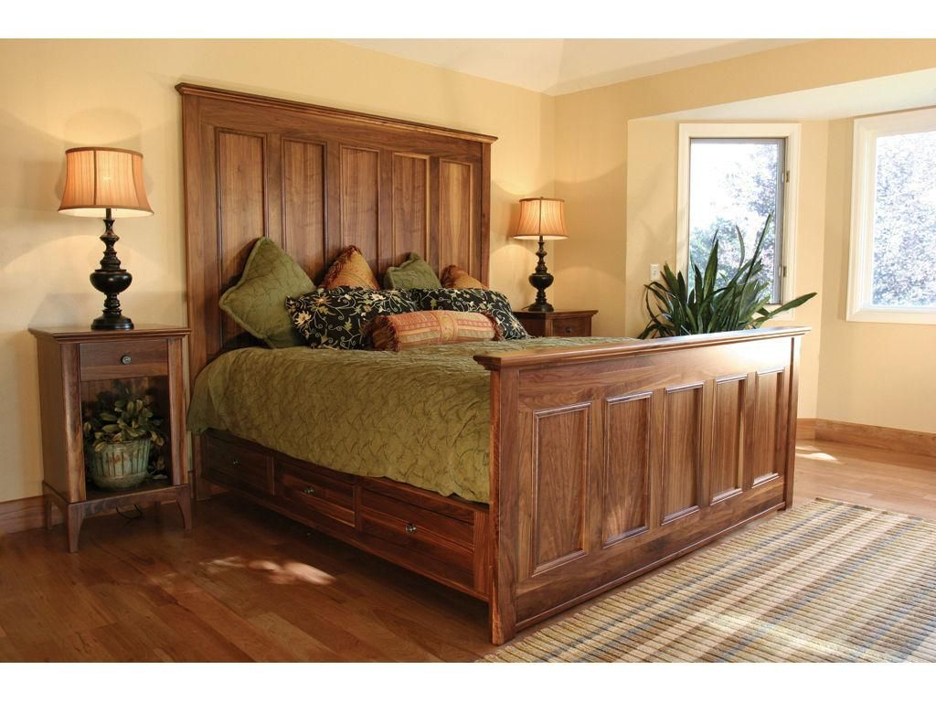 Woodley Brothers Mfg. Bedroom Bed with Foot and Underdresser DEN
