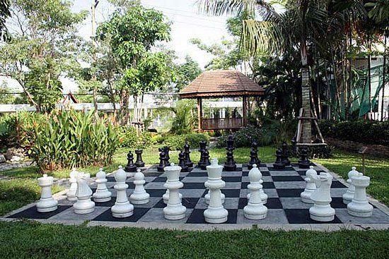 Yard chess