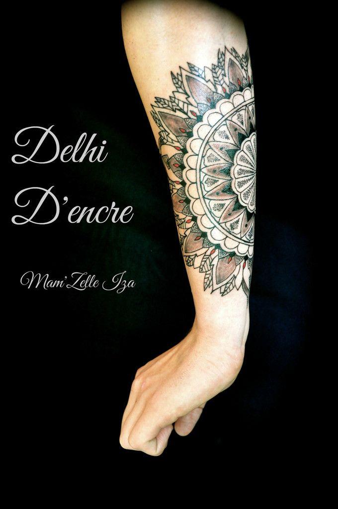 tatouage mandala vitrail sur les deux avant bras tatoo. Black Bedroom Furniture Sets. Home Design Ideas