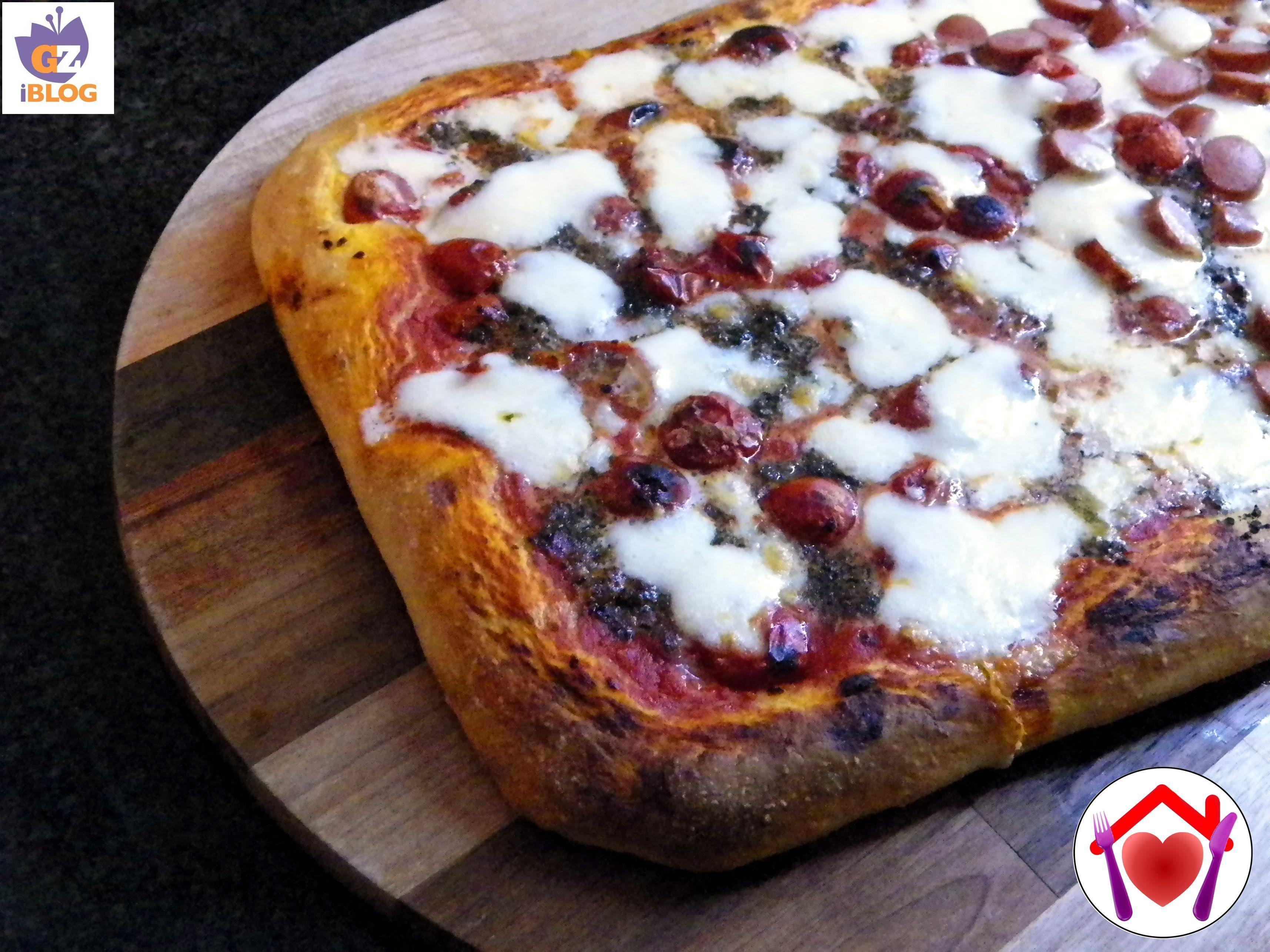 Una variante molto gustosa della pizza, soffice soffice e profumata: pizza tartufata.