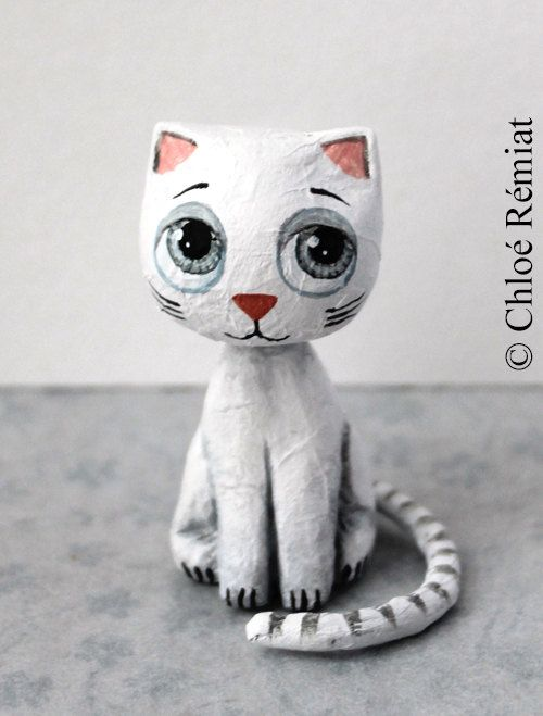 Mini chat blanc assis por chloeremiat en Etsy