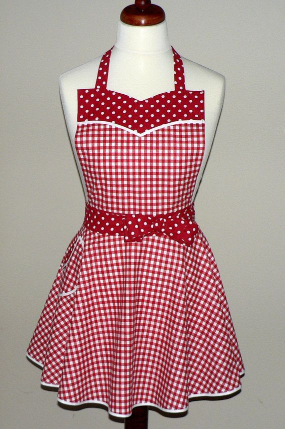 Retro 50s Circle Skirt Apron Red Gingham apron sweetheart neckline flirty pin