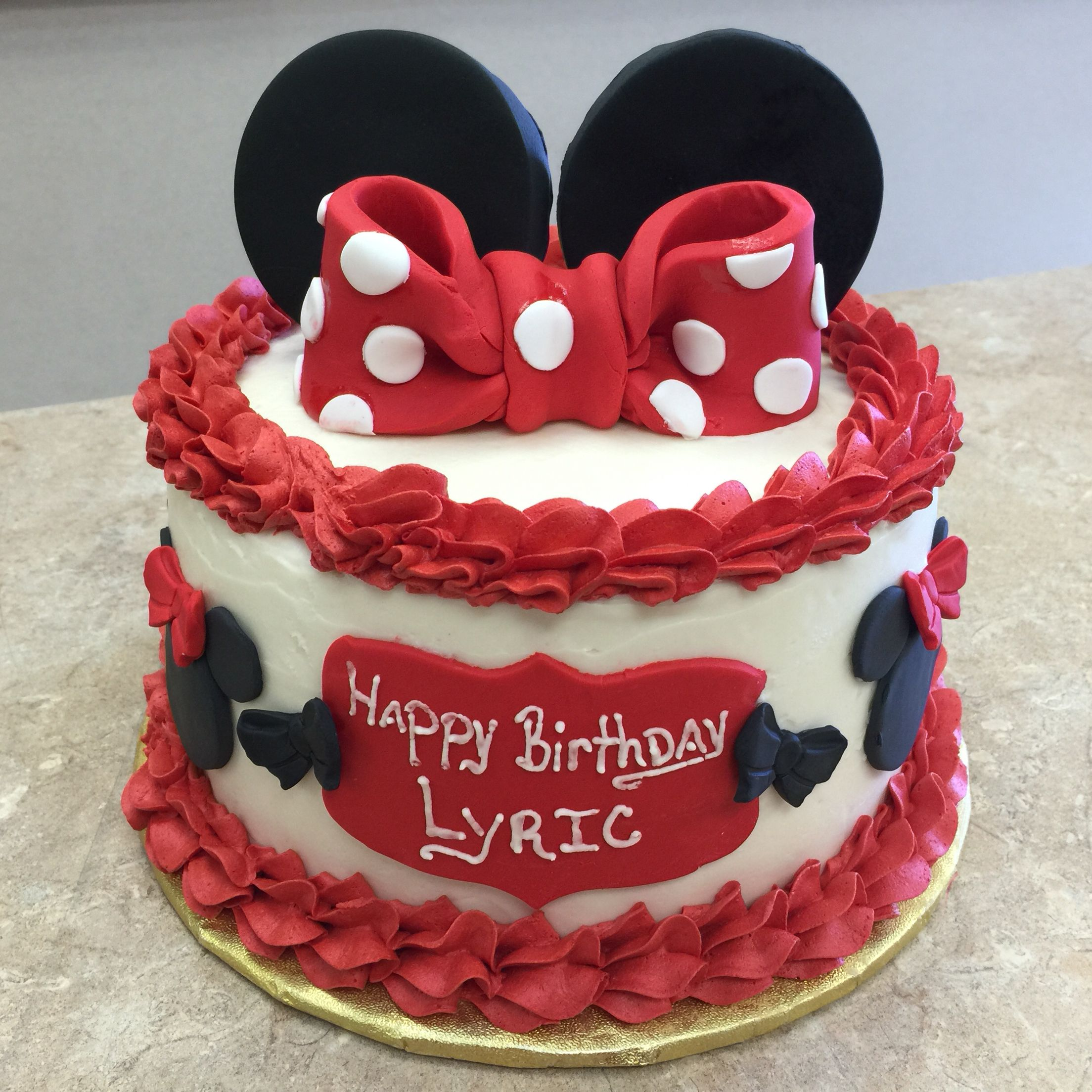 Red and White Buttercream icing Minnie Mouse Cake cake minniemouse