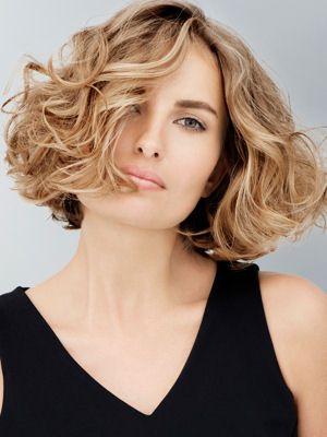 Des idées de coiffures pour l'été Cheveux bouclés, Carré