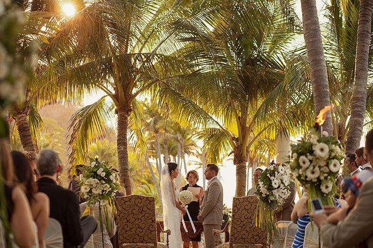 Wedding ceremony. #weddingvenues #outsideweddings #weddingsinmexico #grandbayhotel #islanavidad