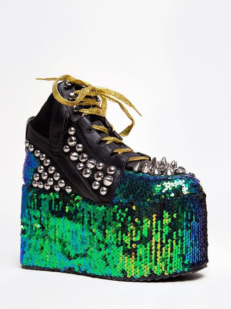 YRU QOZMO SNEAKER   Studded sneakers, Sneakers fashion