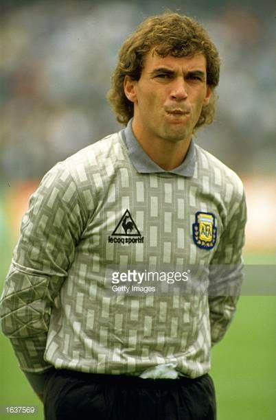 Portrait Of Argentinian Goalkeeper Nery Pumpido Before The World Cup Match Against Bulgaria At The Olympic Stadium In Mexic Fifa Football Images World Football