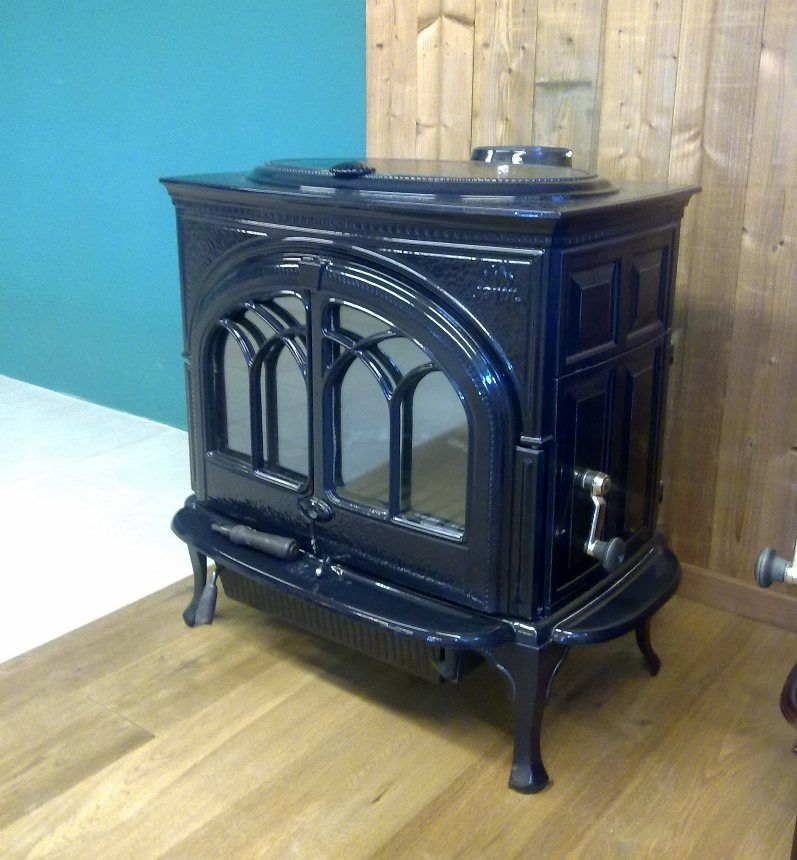 po les bois jotul f 600 mod le d 39 expo neuf marque. Black Bedroom Furniture Sets. Home Design Ideas