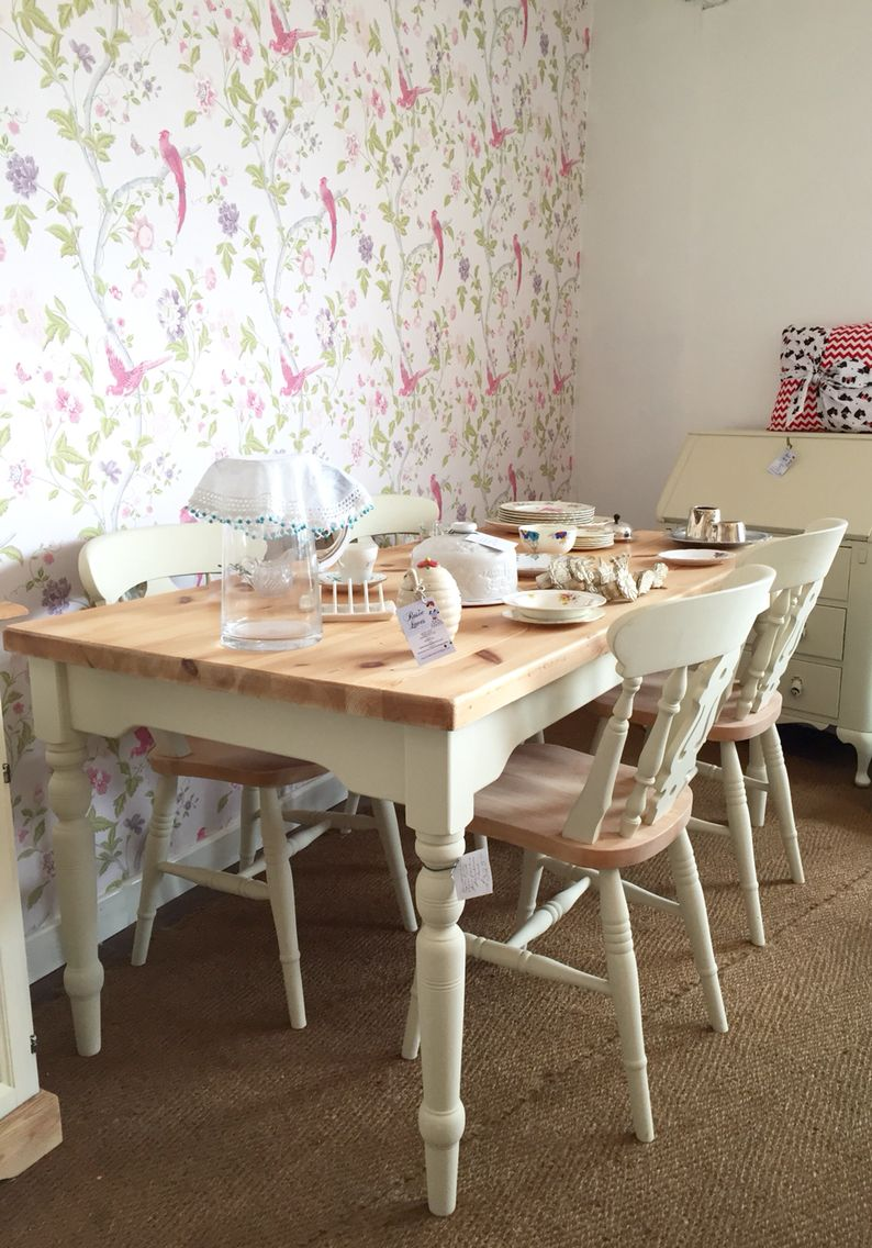 Upcycled Pine Farmhouse Table And Four Farmhouse Chairs In Autentico Antique White Dining Room Table Farmhouse Table Centerpieces Upcycled Furniture