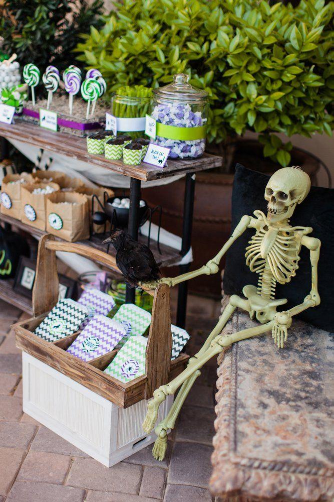 HGTV Halloween Outdoor Decorating Halloween diy, Halloween parties