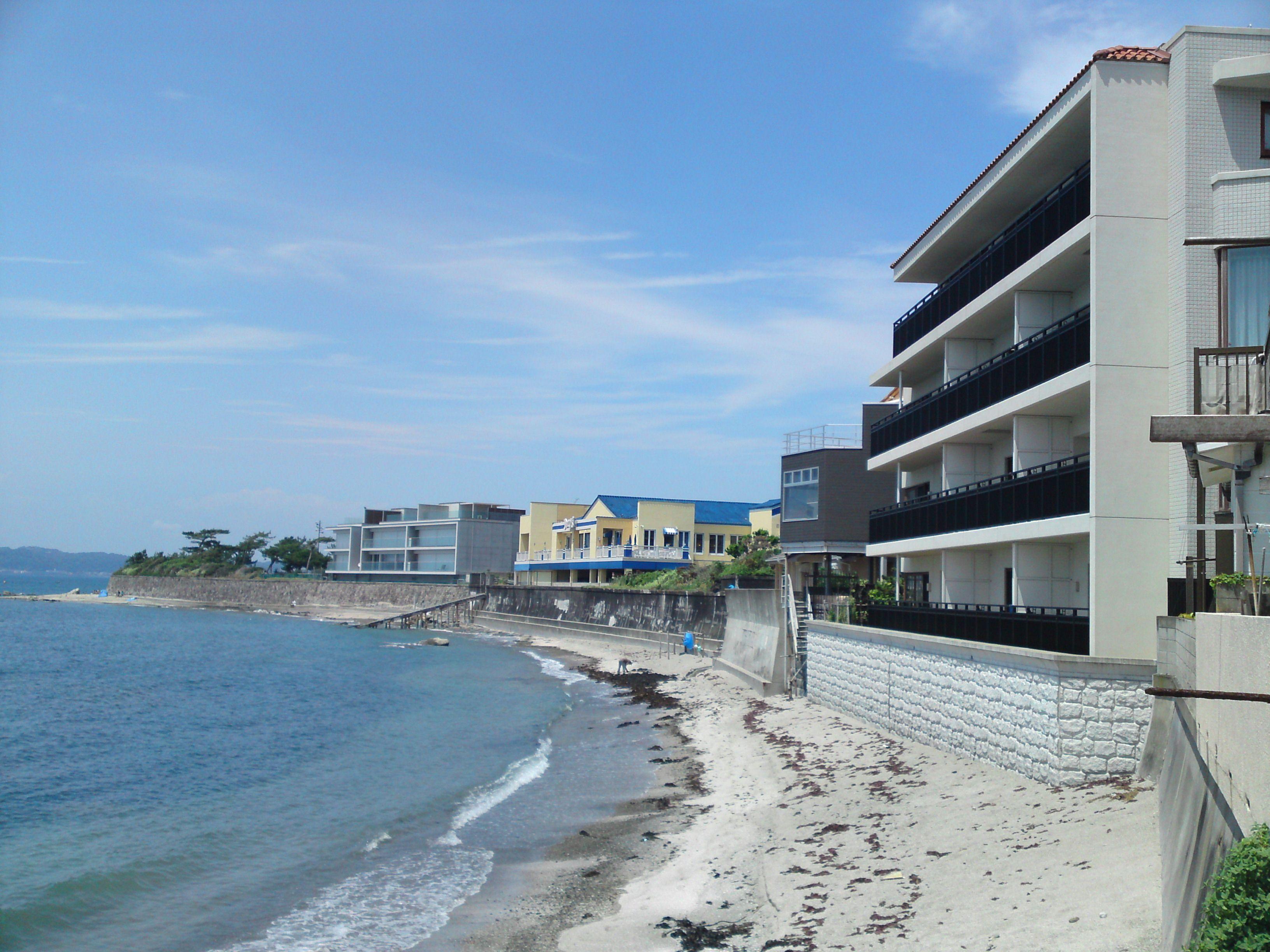 Beach front from Shinnase to Morito.