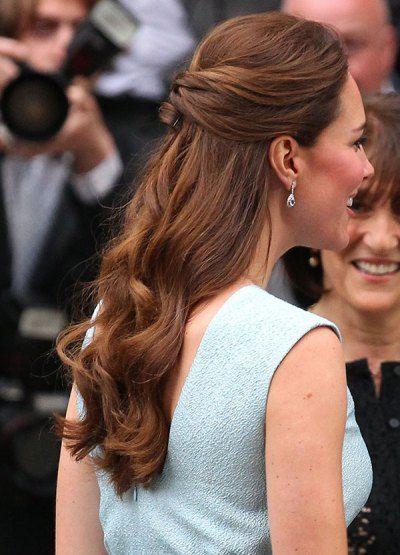 Kate Middleton S Hair Kate Middleton Best Beauty Looks Ok Magazine Kate Middleton Hair Half Up Hair Pixie Haircut For Thick Hair