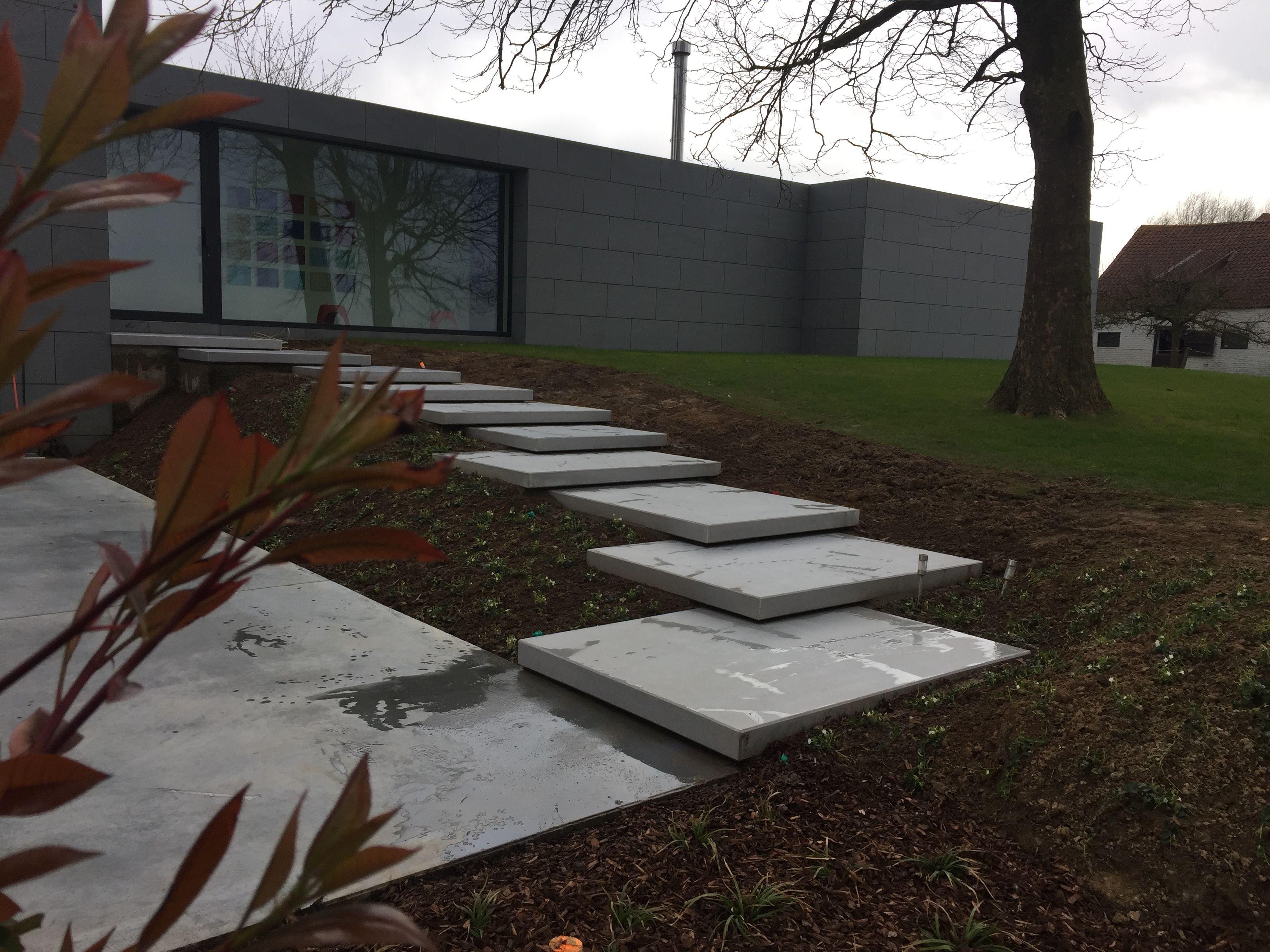 Megasmooth object trap als toegang van een ultra moderne woning
