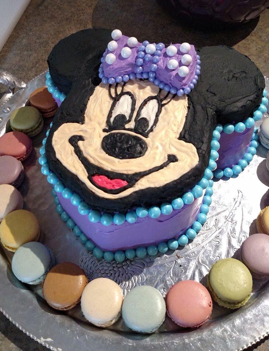 Minnie Mouse Cake Triple Layer Chocolate Pound Cake Using A Mickey