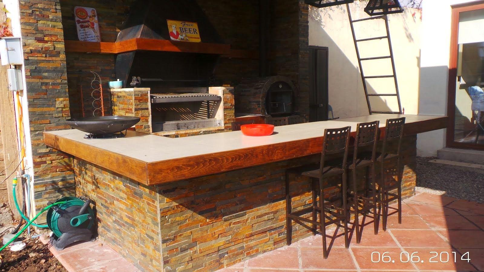 Bernales Quinchos Quincho Y Terrazas Y Chimenea En La Cocina