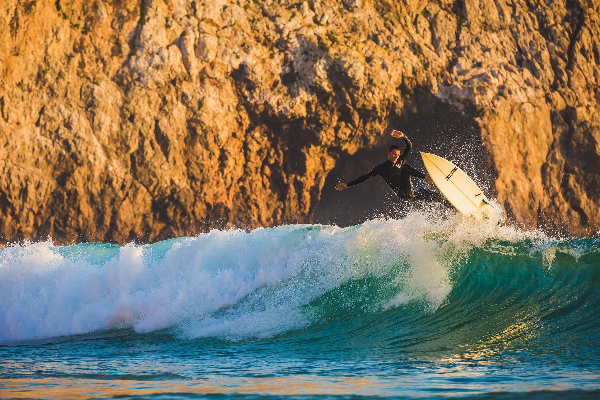 Beliche surfing - http://andytroy.nl/photography/surf/2464/beliche-surfing-2/