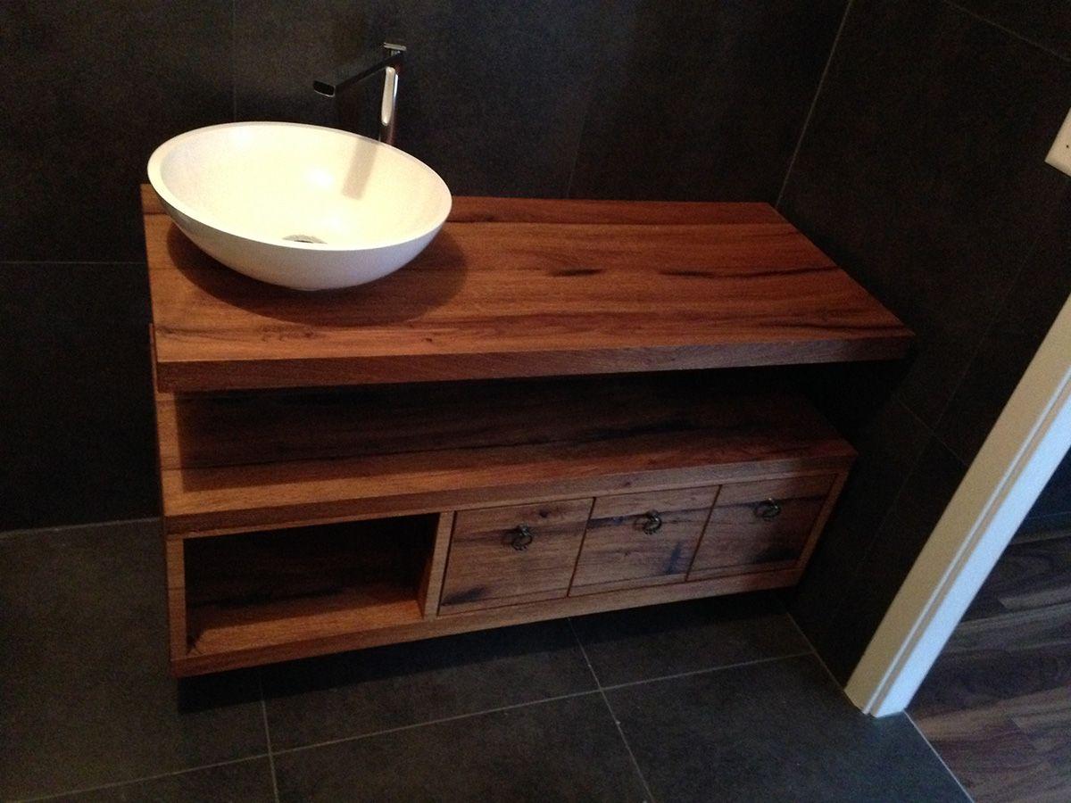 meuble de salle de bain en vieux bois ch ne rustique david giller menuiserie charpente s rl. Black Bedroom Furniture Sets. Home Design Ideas