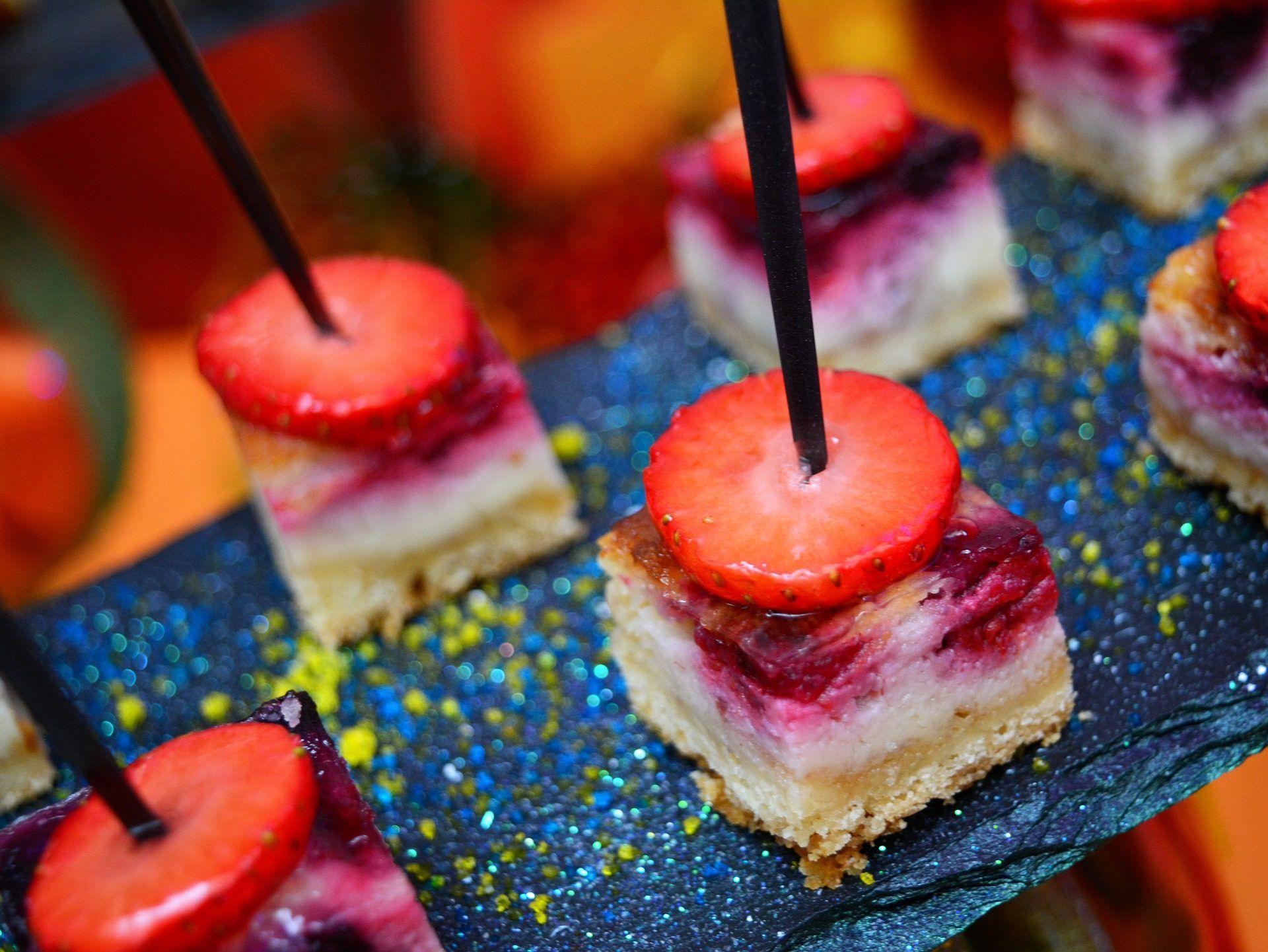 pincho, porción, tarta, fresa, pastel, postre, 1704112336