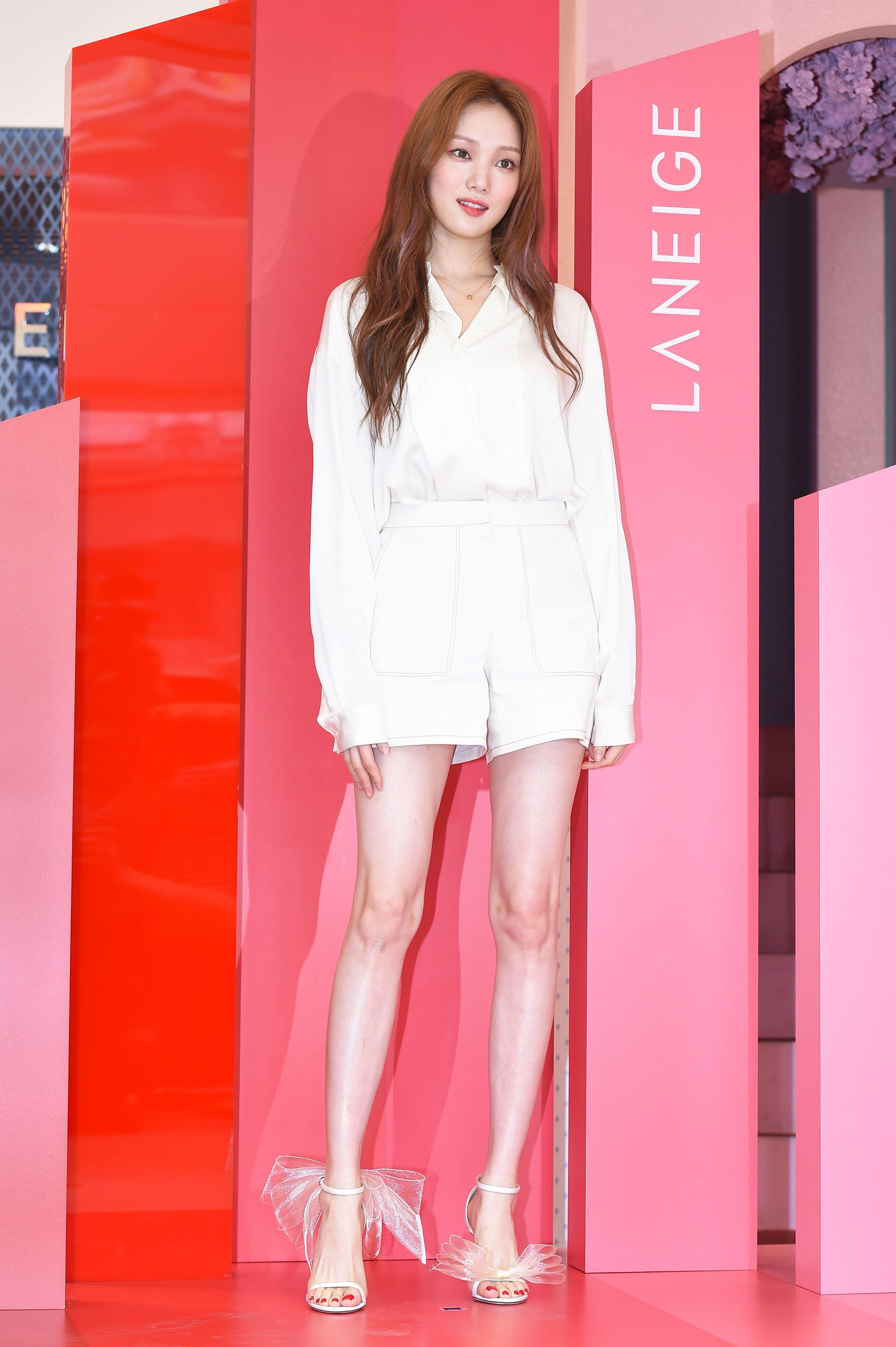 Lee Sung Kyung Feet R Kpopfeets Kpopfeets Kpop Lee Sung Kyung Fashion Kim Bok Joo Lee Sung Kyung Lee Sung Kyung