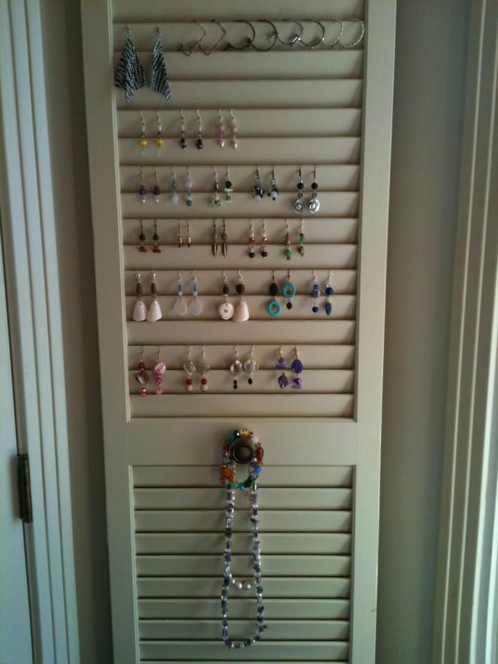 Creative And Thrifty Jewelry Storage And Organization Ideas An Old Shutter Old Closet Doors Creative Jewelry Storage Jewellery Storage Display