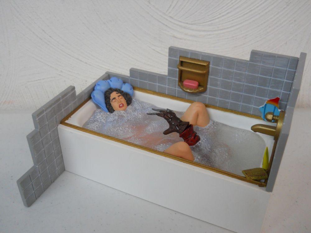 Mezco Fear Series 2 A Nightmare On Elm Street Nancy Thompson
