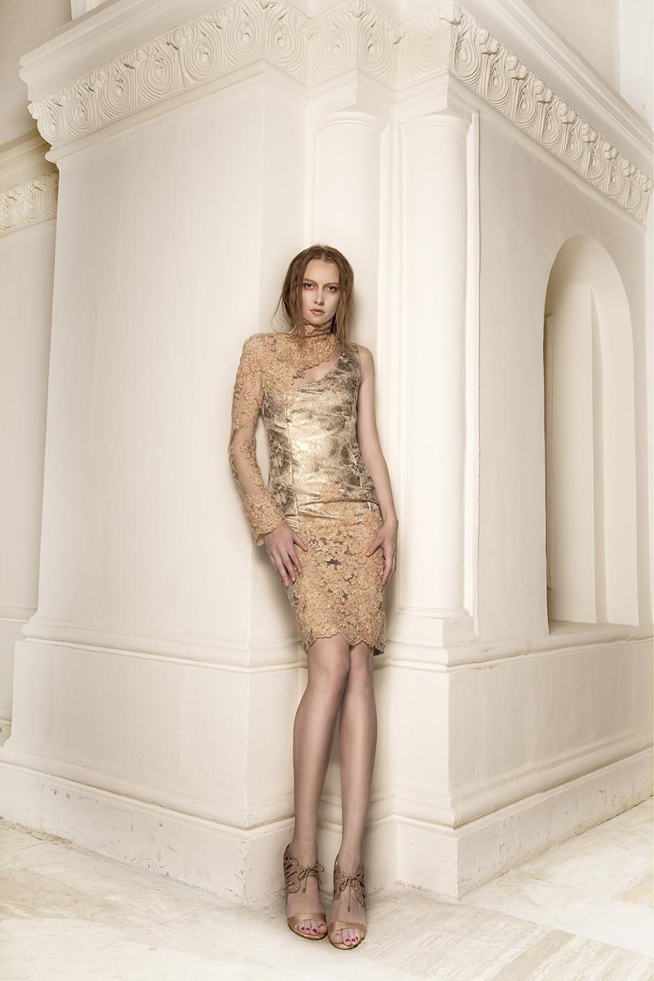 Pin en Simona Semen Clothing.