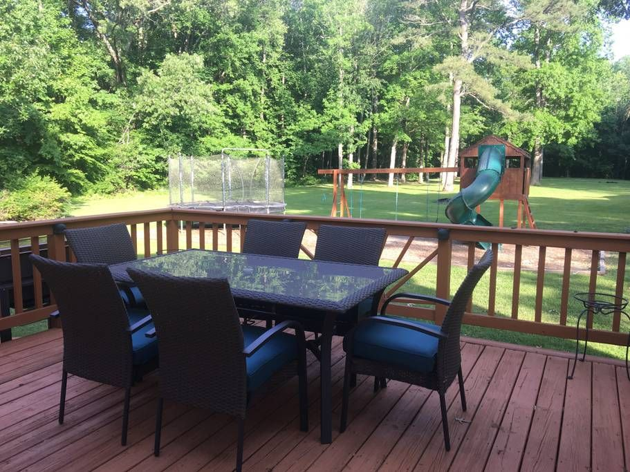 in Chesapeake, US. Huge, modern home on 3 acres in small