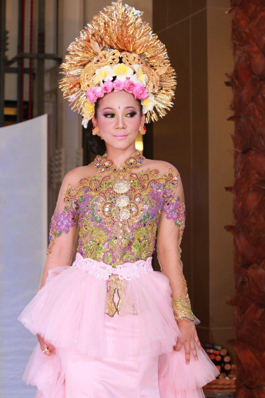 Pakaian Adat Aceh Anak Perempuan