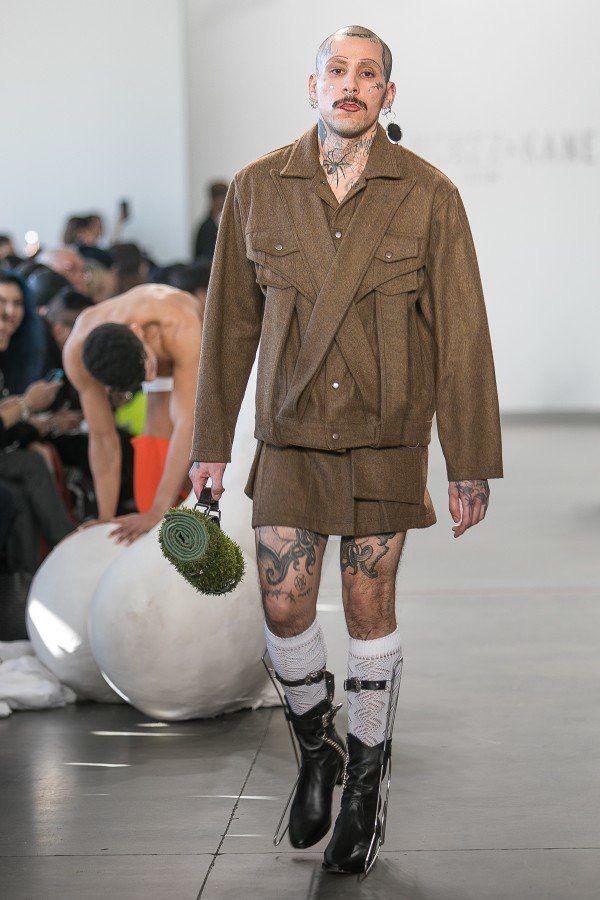 Fashion Coat & Boots   Coat fashion, Fashion, Outfits