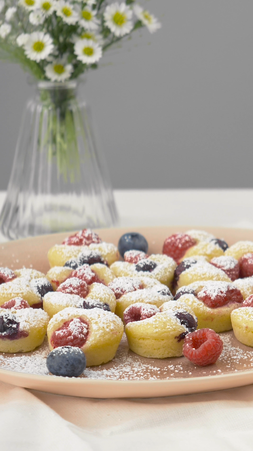 Recipe video: berry pancake bites