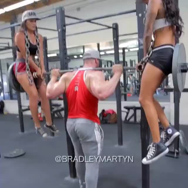 Picking up chicks at the gym