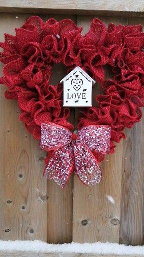 Valentine wreaths that really pop!