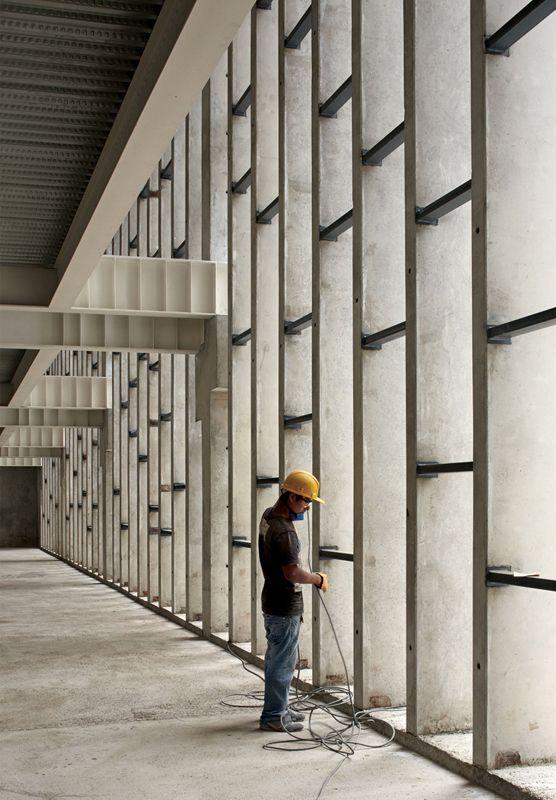 Galeria - Em Construção: O lugar da memória / Barclay