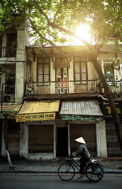 sớm Hà Nội by Hùng Vũ, via Flickr