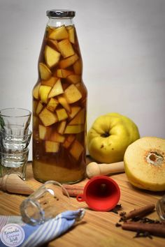 Photo of Gifts from the kitchen – quince liqueur