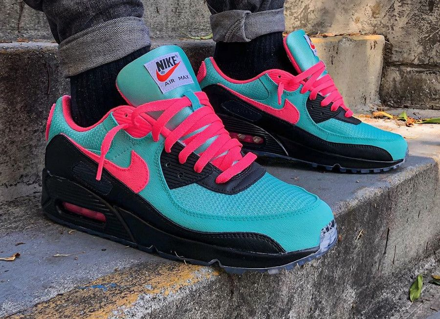 La Air Max 90 Recraft ID by You personnalisable : 35 paires ...